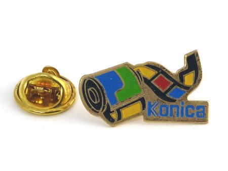 Konica Pin's