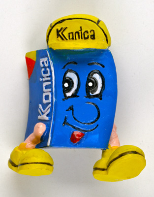 Konica Figurine en forme de pellicule
