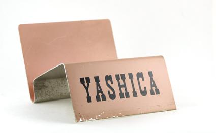 Yashica Présentoir