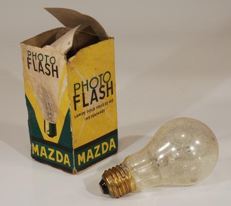 Mazda Lampe magnésique