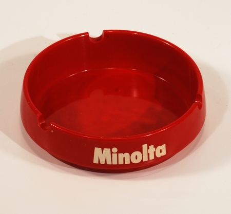 Minolta Cendrier