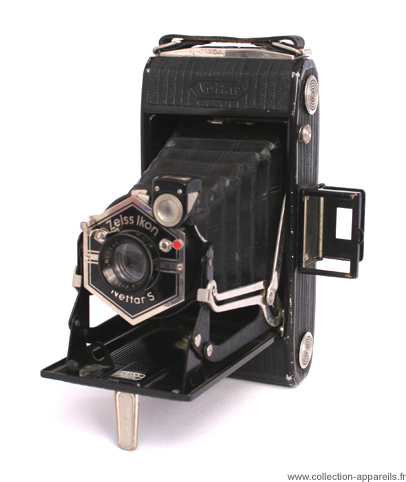 Zeiss Ikon Nettar S Vintage cameras collection by Sylvain
